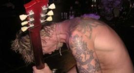 "Duff ""Rose"" McKagan with Loaded in de Melkweg, Amsterdam (SvenBakker)"