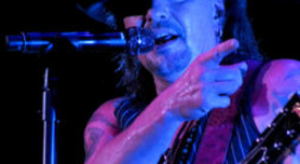 Orianthi with Richie Sambora @ 013, Tilburg (Sven Bakker)