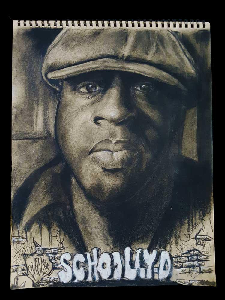 Schoolly D. tekening (houtskool portret op 180gr. getint papier) gesigneerd door SchoollyD en DJ Code Money (Sven Bakker)